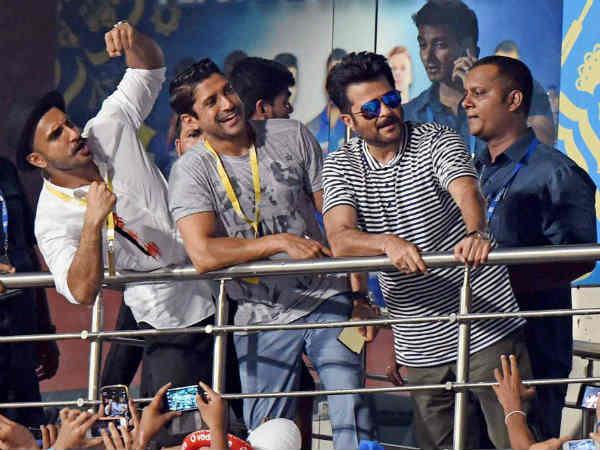 IPL 2015 फिनाले में रंग जमाने पहुंचे दिल धड़कने दो के सितारे- अनिल कपूर, रणवीर सिंह, फरहान अख्तर