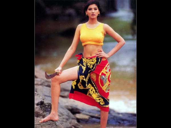Sonali Bendre Hot And Sexy Pics - Hindi Filmibeat-3688