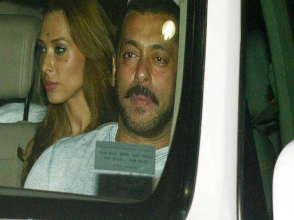 Salman Khan seeks blessings from The Dalai Lama wih Iulia Vantur.