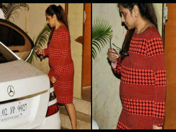 Actresses with baby bump