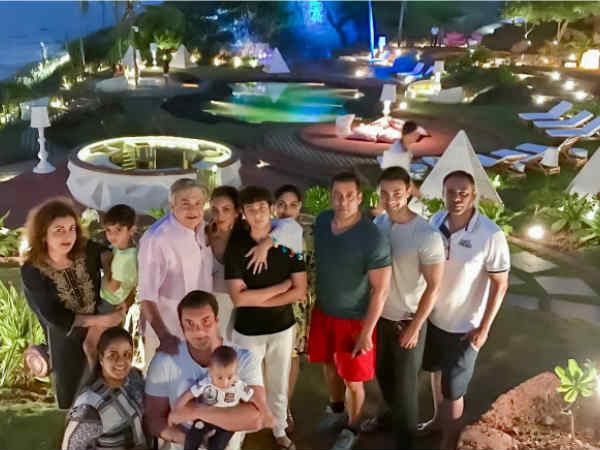 salman-khan-rang-diwali-with-family-at-goa-see-pics