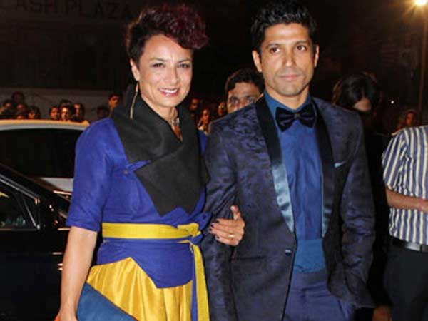 viral-pic-is-that-farhan-akhtar-walking-hand-hand-with-shibani-dandekar