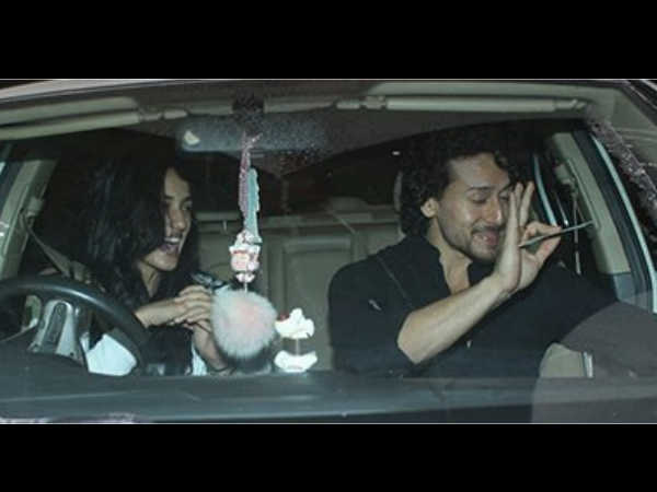Tiger Shroff and Disha Patani look super happy and crazy  on their dinner date