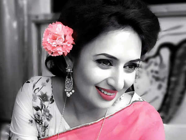 happy birthday Yeh Hai Mohabbatein actresses divyanka tripathi