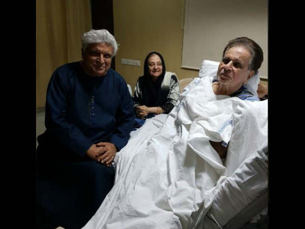 jawed-akhtar-meets-dilip-kumar-in-hospital