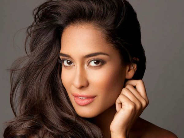 life-hasn-t-changed-much-after-marriage-says-lisa-haydon