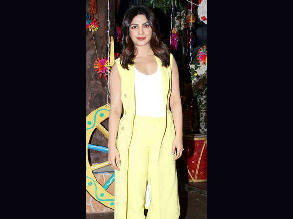 actress priyanka chopra promotes her punjabi film sarvann on kapil sharma show