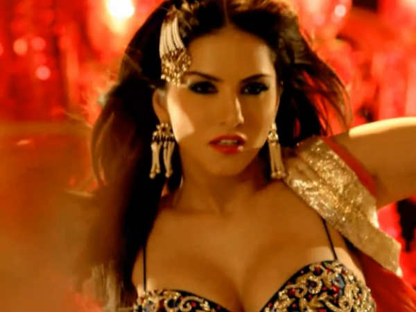 sunny-leone-denies-being-offered-rs-4-cr-to-perform-on-laila