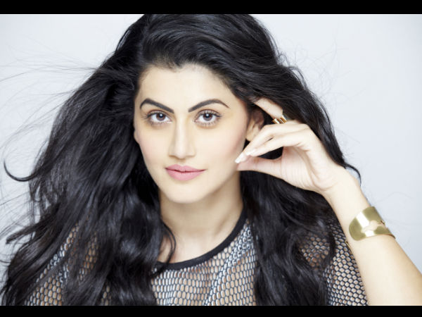 shooting-judwaa-2-feels-like-going-back-school-says-taapsee-pannu