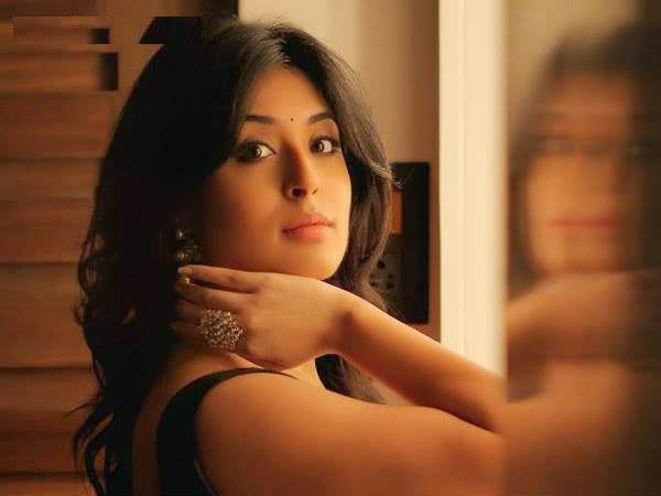tv actress Kritika Kamra to play 'Chandrakanta' on Life Ok!