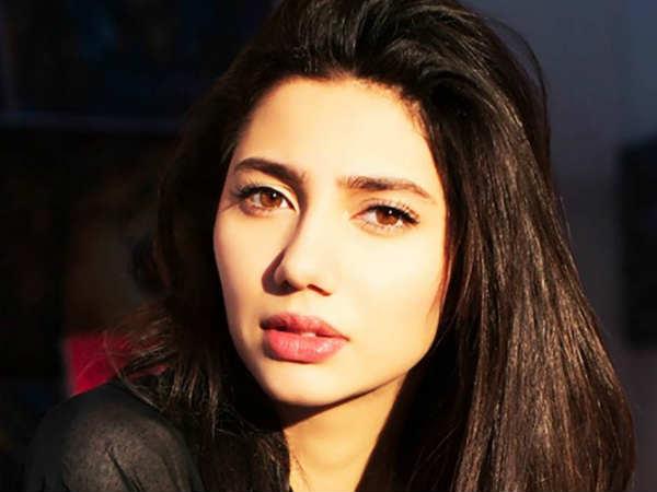 राहुल ढोलकिया ने मेरी हर कदम पर मदद की : माहिरा खान