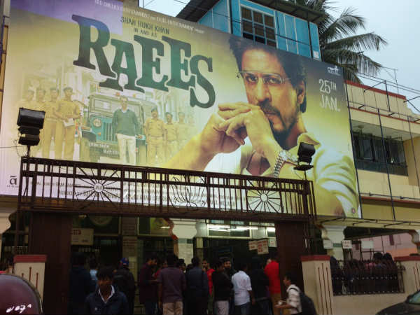 raees-movie-review-first-day-first-show-audience-reaction-live