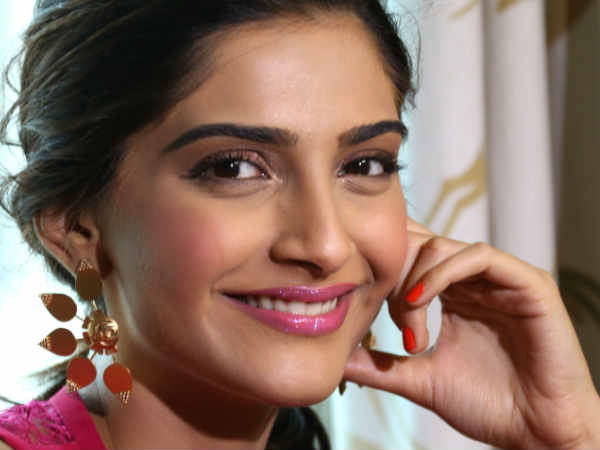 sonam-kapoor-shares-picture-with-bae-anand-ahuja
