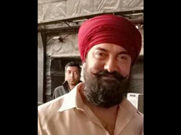 OUCH: आमिर खान की अगली फिल्म का ये #FirstLook फैन्स को बेवकूफ बना गया!