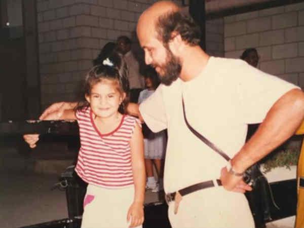 जैकलीन फर्नांडिस ने पोस्ट की पिता के साथ बचपन की तस्वीर..So Cute