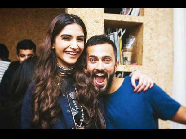 sonam-kapoor-mother-approves-anand-ahuja-wants-engagement-by-the-year-end