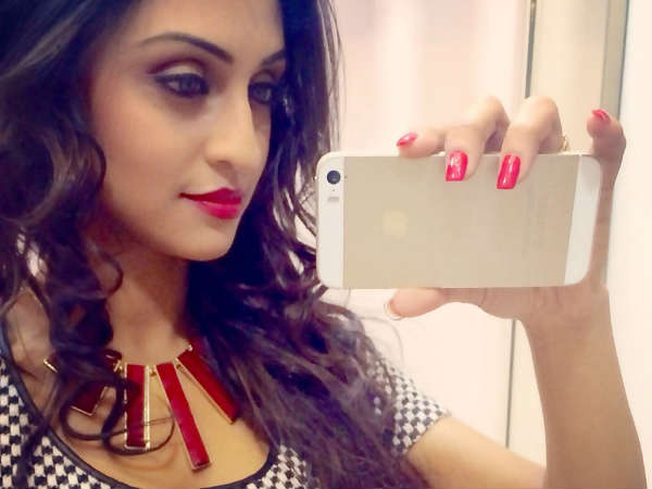 tv-actress-krystle-d-souza-launch-her-own-app