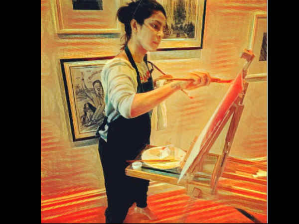 after-salman-khan-now-piyanka-chopra-turns-painter