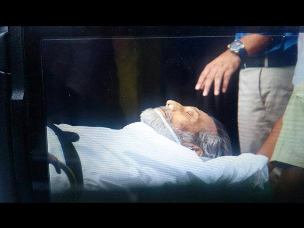 PIC: एक्टर विनोद खन्ना की आखिरी तस्वीर.. देखकर नम हो जाएंगी आंखें