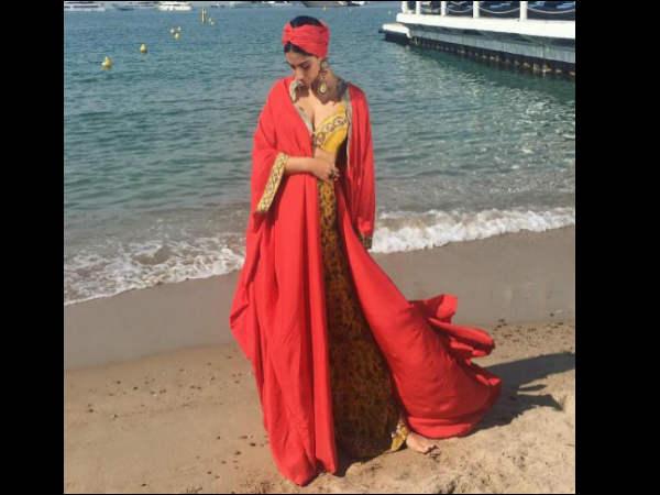 दूसरे दिन भी Cannes 2017 में सोनम का जलवा..'हटके' आईं नजर