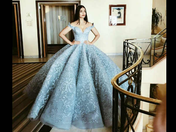 aishwarya-rai-s-cannes-2017-red-carpet-look-was-inspired-from-victoria-swarovski