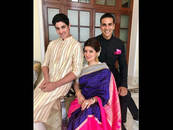 akshay-kumar-tweets-his-national-award-pic-before-the-ceremony