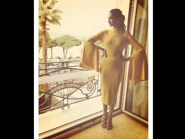 #Cannes 2017: दूसरे दिन भी दीपिका पादुकोण ने ढ़ाया कहर.. बेहद खूबसूरत