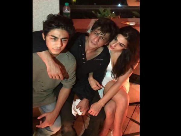 शाहरुख खान और आने वाले दो सुपरस्टार..शानदार तस्वीर