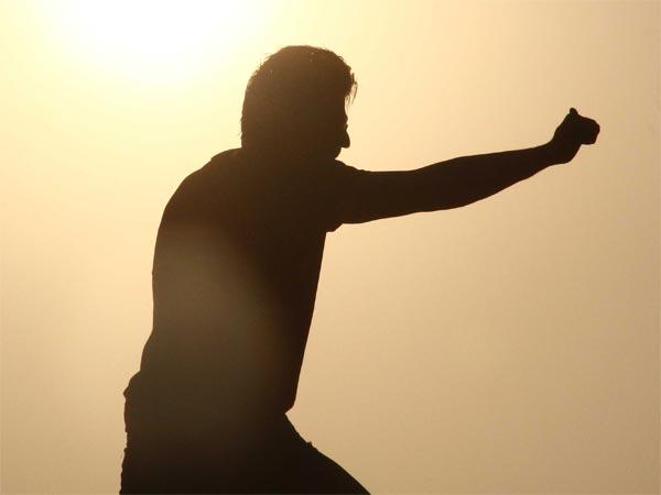 #Jhatka: शाहरूख नहीं, कोई और सुपरस्टार करेगा ये कैमियो