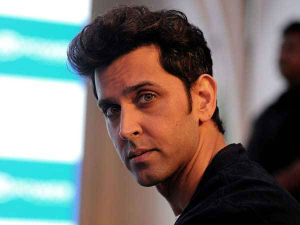 hrithik-roshan-might-play-super-30-founder-anand-kumar-role-in-vikash-bahl-next