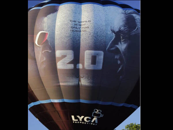 after-kabali-plane-rajinikanth-will-now-promote-2-0-with-100-feet-hot-air-balloon