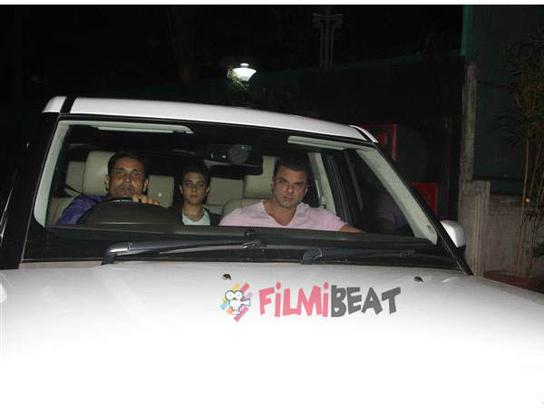salman-khan-spotted-with-lulia-vantur-at-tubelight-special-screening