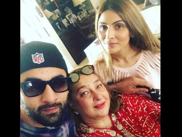 ranbir-kapoor-finds-this-person-the-most-irritating-on-his-family-whatsapp-group