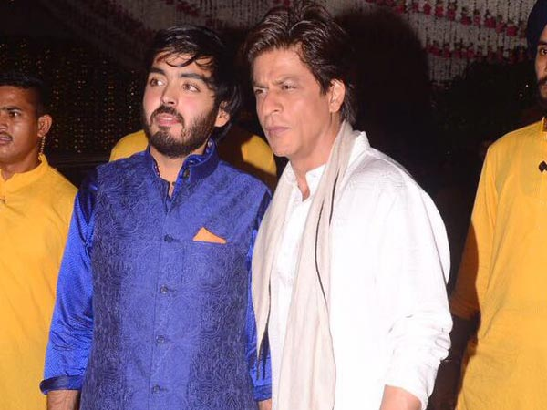 bollywood-stars-at-mukesh-ambani-ganesh-chaturthi-party-see-pics