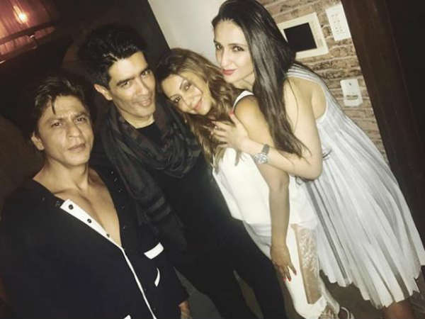 shahrukh-khan-and-gauri-snapped-in-manish-malhotra-party