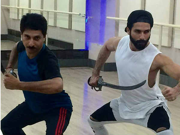 shahid-kapoor-takes-up-sword-fighting-lessons-padmavati