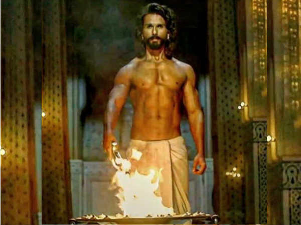 is-shahid-kapoor-insecure-ranveer-singh-after-padmavati-trailer