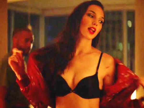 Porn फिल्म में Wonder Woman.. वायरल हुआ वीडियो.. चौंक जाएंगे
