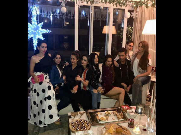 kareena-kapoor-her-friends-party-hard-at-malaika-arora-s-pre-christmas-bash