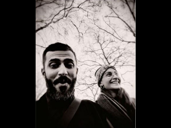 sonam-enjoyed-christmas-with-anand-ahuja-in-england