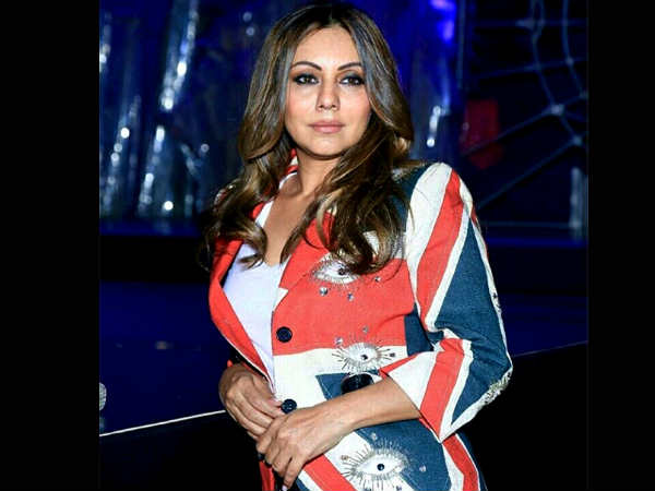 gauri-khan-suhana-khan-looks-stunning-in-their-recent-fashionable-outing