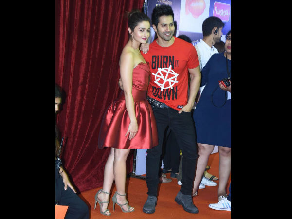varun-dhawan-alia-bhatt-and-other-stars-attended-kids-choice-award