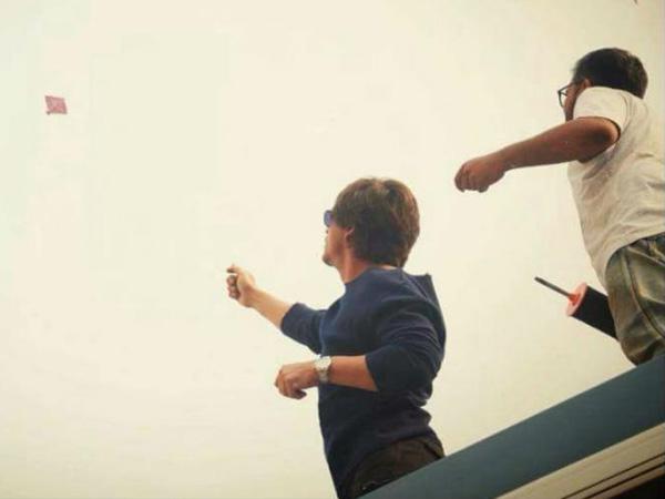 जीरो के सेट पर शाहरुख खान की मस्ती...जमकर उड़ाई पतंग..देखें तस्वीरें