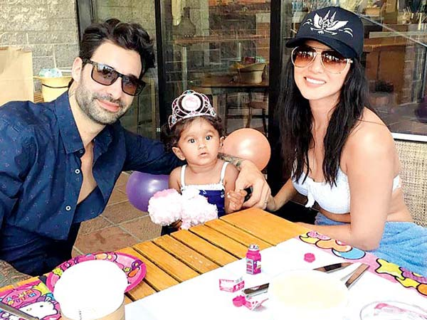 सनी लियोन ने खोला राज..अपनी बेटी के साथ ऐसे बिताती है समय..देखिए तस्वीरें