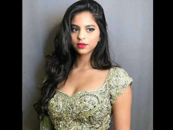 suhana-khan-looks-stunning-in-traditional-avatar