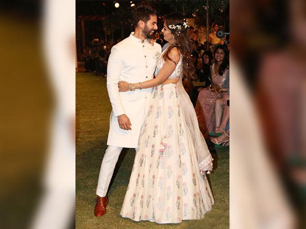 LFW फैशन वीक के पहले दिन शाहिद और मीरा ने अपने जलवों से ढाया कहर