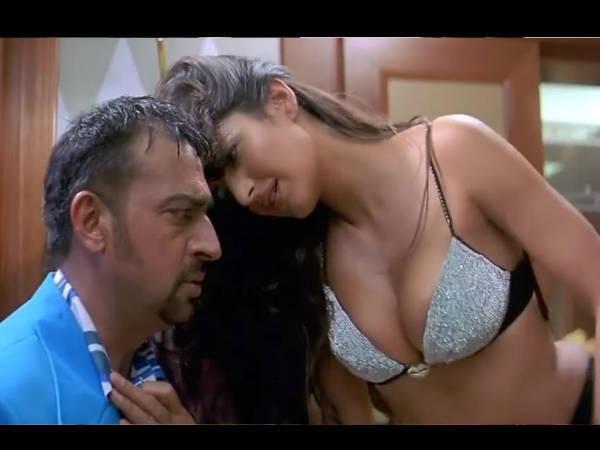 संजय दत्त की पत्नी से कैटरीना तक, ADULT फिल्म में किया काम, चौंकाने वाली Pics