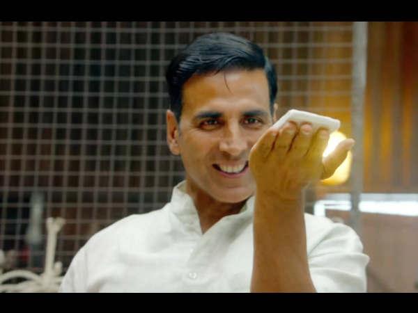 अक्षय कुमार की पैडमैन सुपरहिट.. शानदार कलेक्शन.. यहां जानें PROFIT