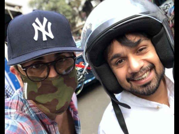 कभी हथियार उठा रहे तो कभी मुंबई में अकेले घूम रहे रणबीर, तस्वीरें देखकर चौंक जाएंगे आप