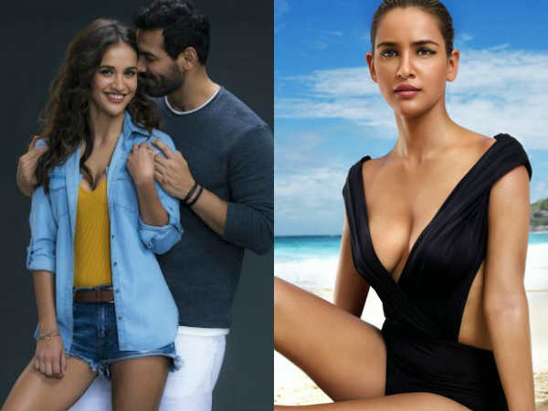 actress-ayesha-sharma-is-going-debut-bolllywood-with-john-Abraham